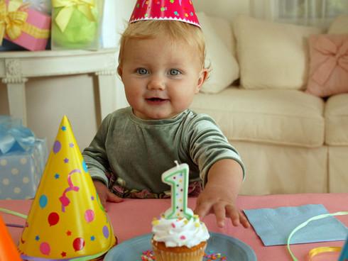 Стул для малыПодарок на день рождения своему
